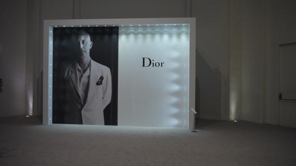 Derrière cette façade se cachait l'entrée de l'exposition ©Monsieur Benedict