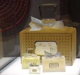 Les flacons du parfum Miss Dior ©Monsieur Benedict