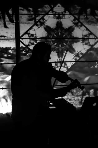 Samifati et son violon par © Irina Sovkine