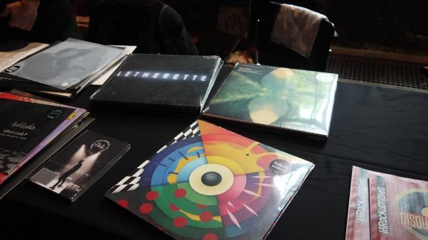 Le LP de l'artiste FaltyDL sur le remix «Straight & Arrow» ©MonsieurBenedict
