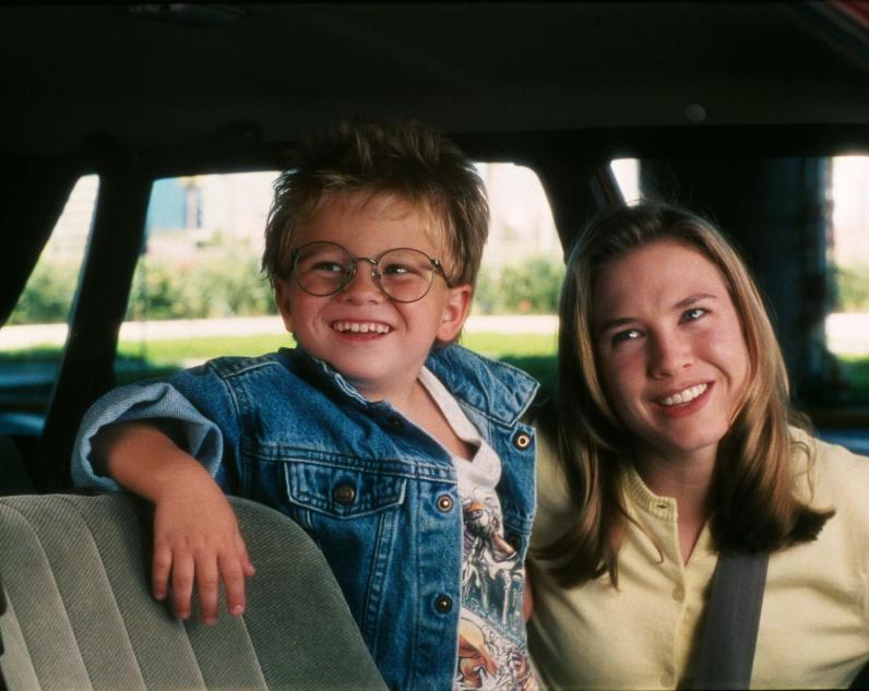 still-of-renée-zellweger-and-jonathan-lipnicki-in-jerry-maguire-(1996)-large-picture